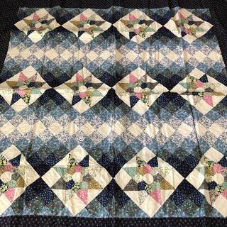 新品未使用 パッチワーク 絨毯(ラグ)