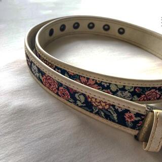グリモワール(Grimoire)の୨୧ Vintage rétro embroidery flower belt(ベルト)