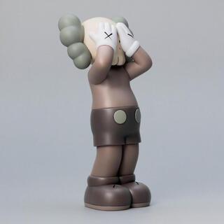 MEDICOM TOY - KAWS:HOLIDAY UK - Figure (Brown)