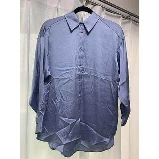 ザラ(ZARA)の【綺麗めカジュアル】ZARA サテン とろみシャツ ブルー モテファッション(シャツ/ブラウス(長袖/七分))