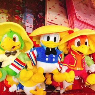 ディズニー(Disney)の発売ディズニー ストア 三人の騎士(ぬいぐるみ)