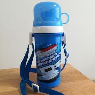 【美品】水筒 新幹線コップ付直飲みボトル500ml