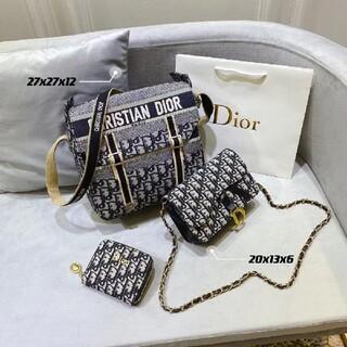 クリスチャンディオール(Christian Dior)の 大人気☆☆3つで CHRISTIAN  DIORバッグ(木琴)
