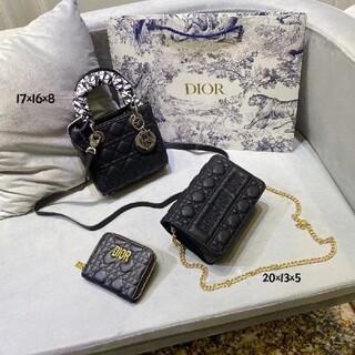 クリスチャンディオール(Christian Dior)の 大人気☆☆3つで CHRISTIAN  DIORバッグ(鉄琴)