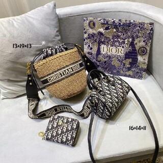 クリスチャンディオール(Christian Dior)の 大人気☆☆3つで CHRISTIAN  DIORバッグ(コントラバス)