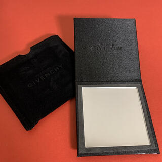 GIVENCHY - 《未使用品》GIVENCHY ジバンシィ コンパクトミラー