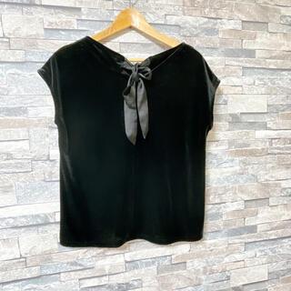 ジーユー(GU)のベロアフレンチスリーブT バックリボン(Tシャツ(半袖/袖なし))
