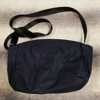 ジーユー(GU)のGU 10ポケット付き ミニショルダーバッグ(ショルダーバッグ)
