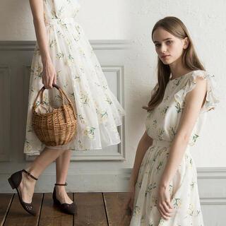 Noela - Noela ◇ オリジナルオパールフラワー柄 ブラウス、スカート セット