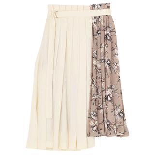 ラグナムーン(LagunaMoon)の【Sサイズ】LAGUNAMOONリリーフラワープリーツスカート(ひざ丈スカート)