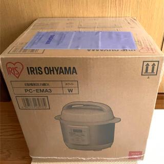アイリスオーヤマ(アイリスオーヤマ)の新品未開封 電気圧力鍋 3.0L ホワイト PC-EMA3-W(調理機器)