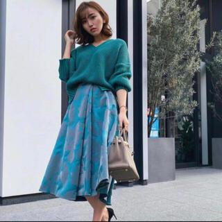 エイミーイストワール(eimy istoire)のsheller♡ フロッキーサテンフラワースカート(ひざ丈スカート)