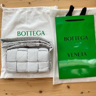 Bottega Veneta - BOTTEGA VENETA ザ・パデッドテック カセット ショルダーバッグ