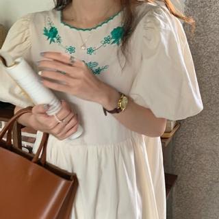 花刺繍 ぽわん袖 ワンピース      517