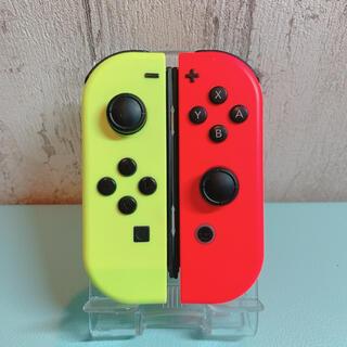 ニンテンドースイッチ(Nintendo Switch)の美品 人気カラー レッド イエロー Switch 左右セット ジョイコン(その他)