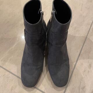 ザラ(ZARA)のZARAスエードショートブーツ(ブーツ)