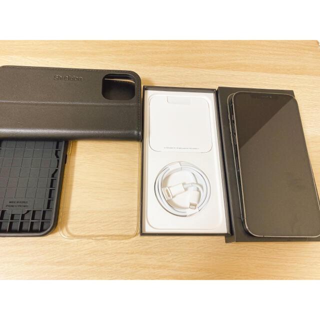 Apple(アップル)のiPhone 12  PRO MAX 256GB グラファイト スマホ/家電/カメラのスマートフォン/携帯電話(スマートフォン本体)の商品写真