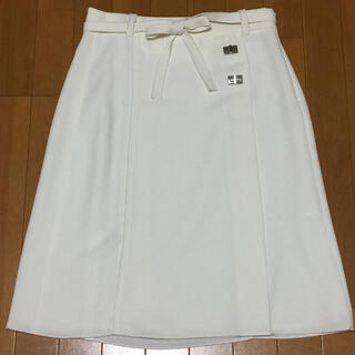 ザラ(ZARA)の新品 ZARA BASIC 白 ひざ丈スカート ザラ(ひざ丈スカート)