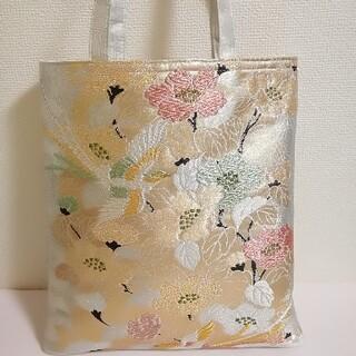 金、銀糸の刺繍で鳳凰や花紋正絹の袋帯をリメイクして製作したトートバッグ(帯)