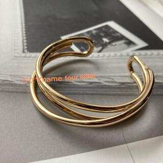 IENA - 新品 トゥモローランド  デザイン ゴールドバングル  ブレスレット