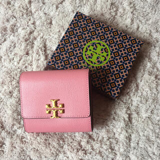 トリーバーチ(Tory Burch)の【決算大セール】トリーバーチの折財布☆ピンク 新品 SALE中❣️(財布)