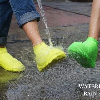 話題のレインシューズカバー  完全防水 梅雨台風対策 滑り止め 22.5~29(長靴/レインシューズ)