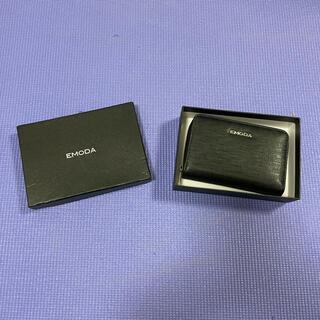 エモダ(EMODA)のEMODA 二つ折り財布 黒(財布)