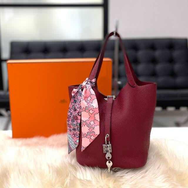 Hermes(エルメス)の極美品 エルメス ピコタンロックMM トリヨンクレマンス レッド C刻印 レディースのバッグ(ハンドバッグ)の商品写真