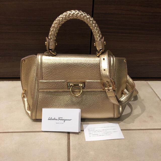 Salvatore Ferragamo(サルヴァトーレフェラガモ)の高級ライン フェラガモ ショルダーバック メンズのバッグ(ショルダーバッグ)の商品写真