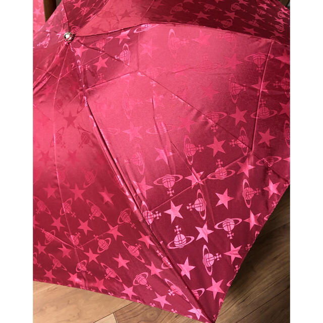 Vivienne Westwood(ヴィヴィアンウエストウッド)のヴィヴィアンウェストウッド 折りたたみ傘 レディースのファッション小物(傘)の商品写真