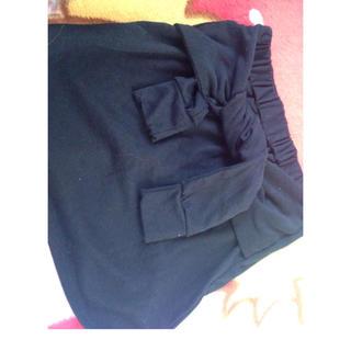 アベイル(Avail)の前縛りブラックタイトスカート(ミニスカート)