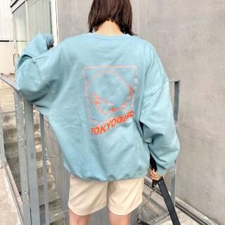 フーズフーギャラリー(WHO'S WHO gallery)のwho's who gallery 東京ガール ラインロゴクルー(トレーナー/スウェット)