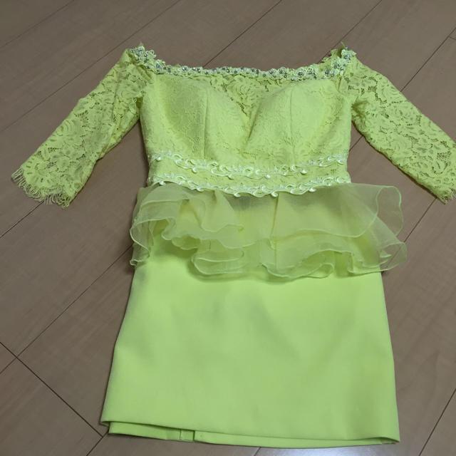 胸元シースルーイエローミニドレス レディースのフォーマル/ドレス(ミニドレス)の商品写真