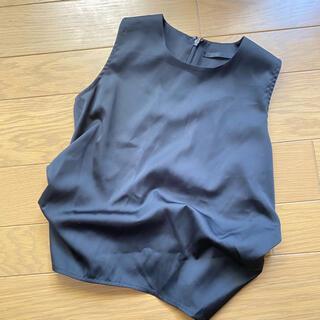 ムルーア(MURUA)のMURUA ブラウス サテン ツイストデザイン (シャツ/ブラウス(半袖/袖なし))