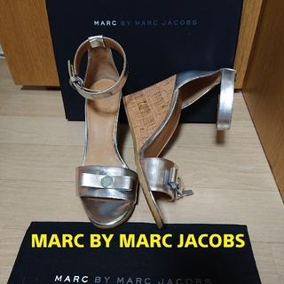 マークバイマークジェイコブス(MARC BY MARC JACOBS)の《新品》MARC BY MARC JACOBS サンダル(サンダル)