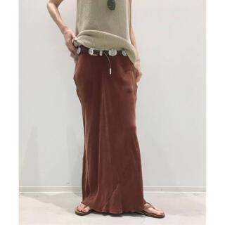 アパルトモンドゥーズィエムクラス(L'Appartement DEUXIEME CLASSE)のアパルトモン OZMA FLARE スカート(Cupra100%)(ロングスカート)