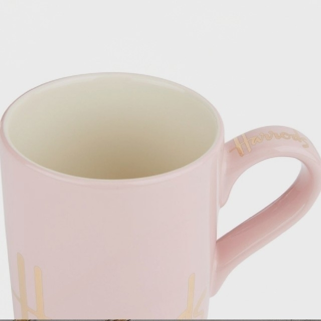 Harrods(ハロッズ)の新品 Harrods ロゴ マグカップ コーヒー 紅茶 ピンク インテリア/住まい/日用品のキッチン/食器(グラス/カップ)の商品写真