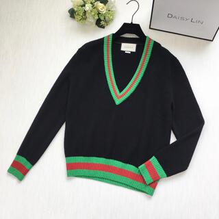 グッチ(Gucci)の美品 新タグ グッチ GUCCI シェリーライン Vネック セーター(ニット/セーター)