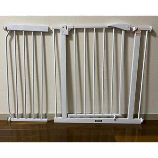 カトージ(KATOJI)の カトージ ベビーセーフティオートゲート+追加フレーム 30cm セット(ベビーフェンス/ゲート)