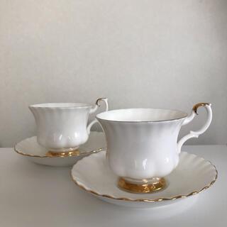 ROYAL ALBERT - 美品SALE✨ロイヤルアルバート バルドール ホワイトカップ&ソーサー2セット