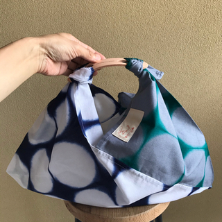 本革ハンドル付き手染め水玉模様のあずま袋(和装小物)