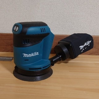 マキタ(Makita)のマキタ 18V 新品 充電式ランダムオービットサンダー BO180D(工具/メンテナンス)