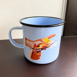 アッシュペーフランス(H.P.FRANCE)の【定価2970円】SELETTI x TOILETPAPER エナメルマグカップ(グラス/カップ)