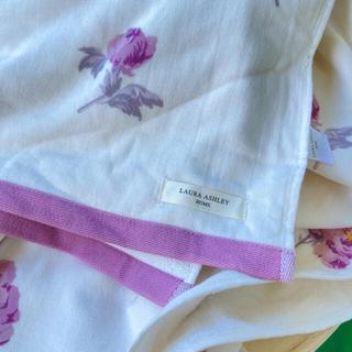 ローラアシュレイ(LAURA ASHLEY)のレア シングルサイズ ピオニーブロッサムタオルケット シミあり(毛布)