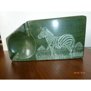 緑色の硯(Verditeで出来ています)(彫刻/オブジェ)
