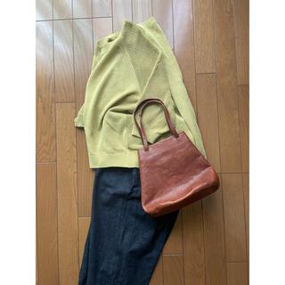 ヘルツ(HERZ)のorgan 巾着型 トート バッグ アンバー(トートバッグ)