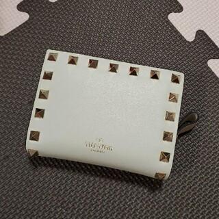 ヴァレンティノ(VALENTINO)のVALENTINO ロックスタッズ 折り財布(財布)