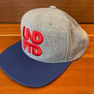 アンディフィーテッド(UNDEFEATED)のundefeated logo cap (キャップ)