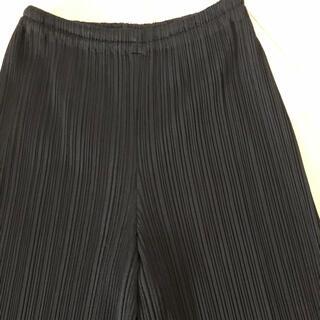 イッセイミヤケ(ISSEY MIYAKE)の美品 プリーツプリーズ ブラックワイドパンツ(その他)