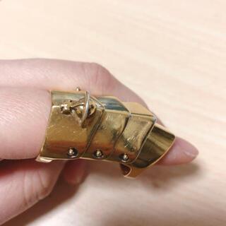 ヴィヴィアンウエストウッド(Vivienne Westwood)のvivienne アーマーリング ゴールド(リング(指輪))